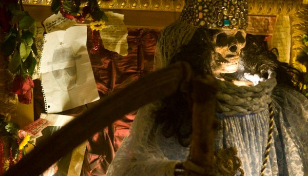 Santa-Muerte-Shrine-9-760